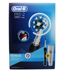 Oral B Pro 2 2500 Toothbrush Crossaction