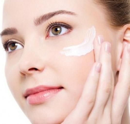 Como aplicarse bien crema de cara - Blog farmaciamarket