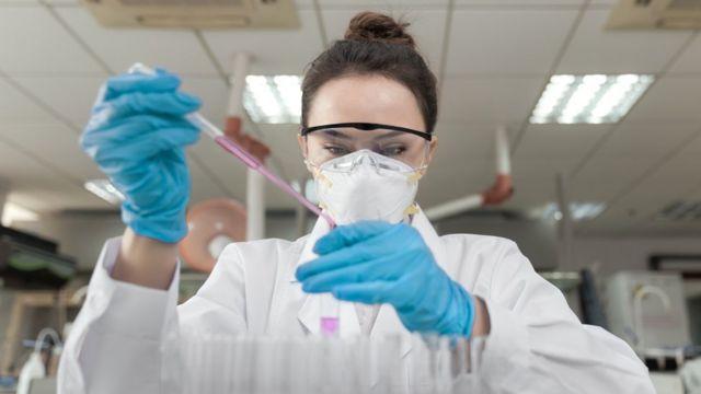 La carrera por la vacuna de coronavirus, Moderna, Pfizer y Astra zeneca